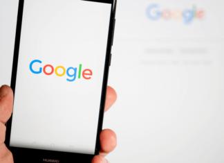 Google начал тестировать показ рекламы в ленте Discover