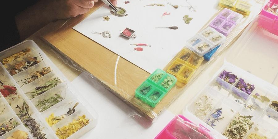 Изготовление украшений как бизнес на дому для женщин